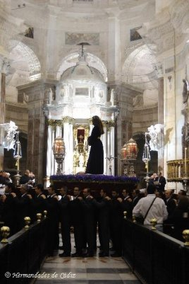 <p>Vía Crucis Hermandades y Cofradías de Cádiz 2.011<br />Autor: Rubén Navarro</p>